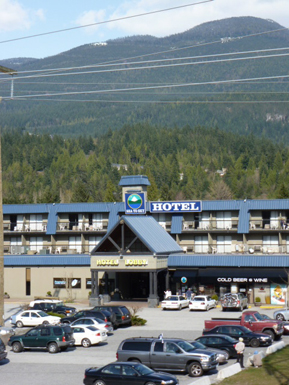 sea to sky hotel and conference centre squamish hotels. Black Bedroom Furniture Sets. Home Design Ideas